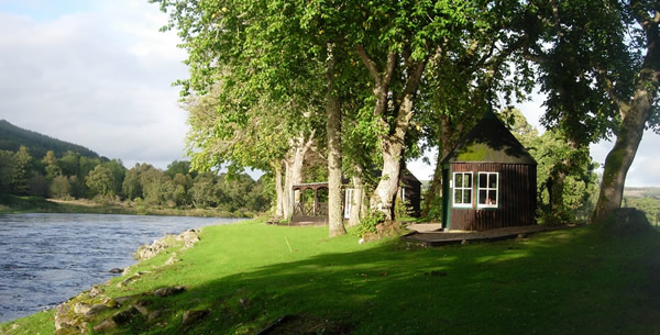 Ballindalloch Spey Fishing Hut, Moray